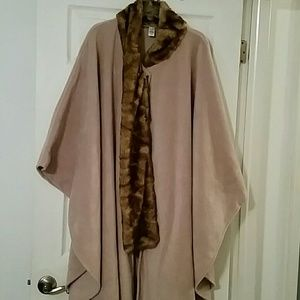 East 5th tan fleece cape/coat